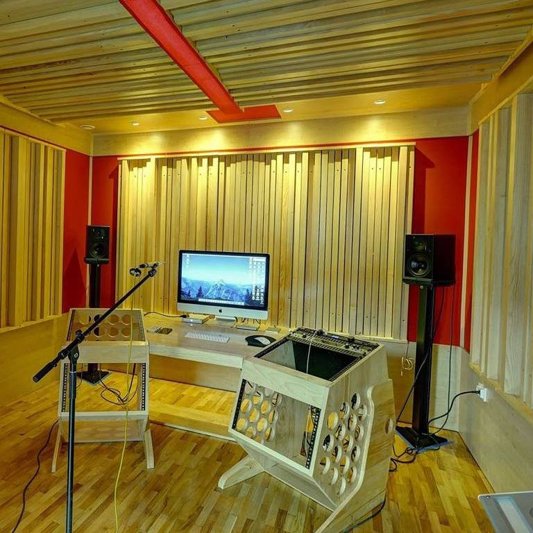 music studio following myroom design, with all walls and ceiling covered in amplitude grating diffusors